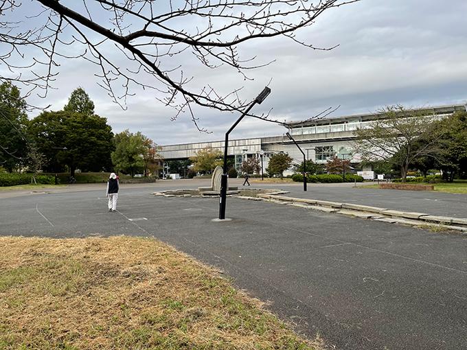 舎人公園駅.jpg